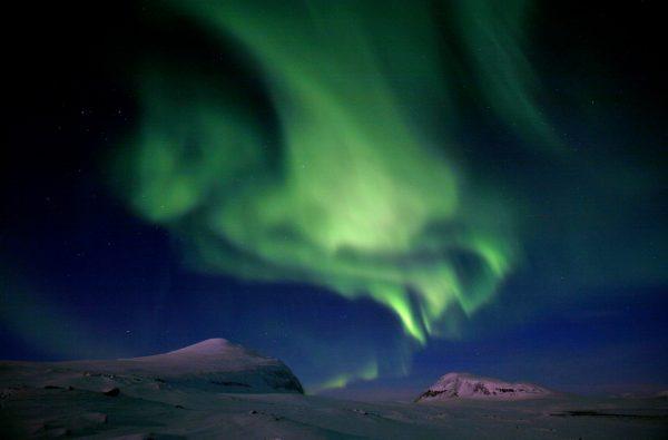 finnmark-lapland-skitouring-northern-lights