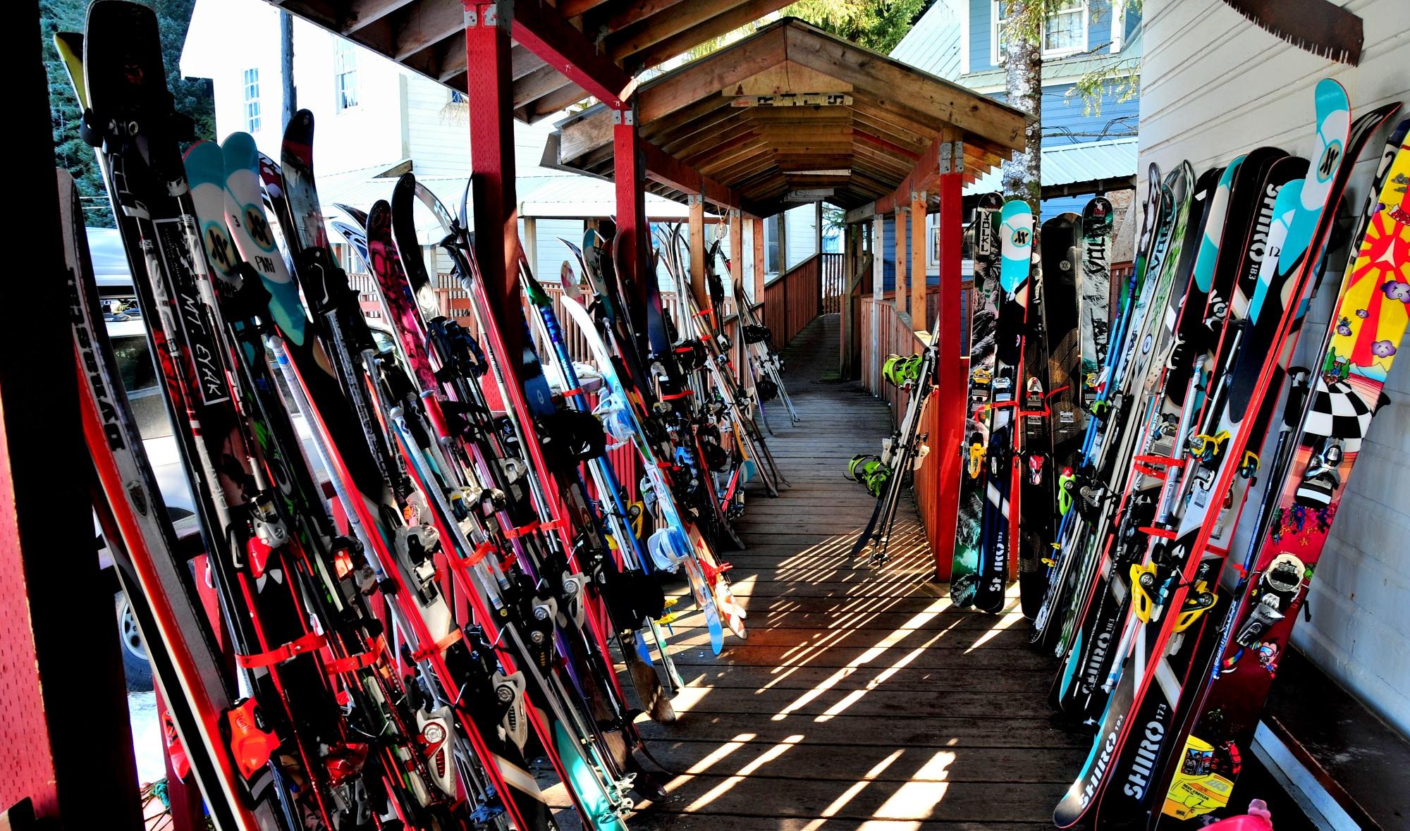 ski-snowboard-carbon-fibers