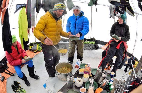 svalbard-ski-expedition-12