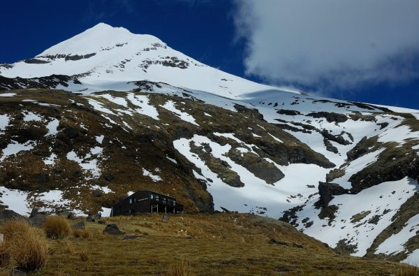 skitouring-skimountaineering-new-zealand-2