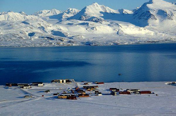 svalbard-scialpinismo-barca-2