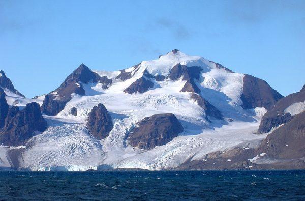 svalbard-scialpinismo-barca-12